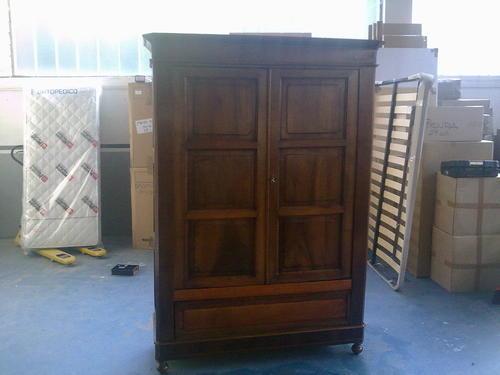 Tavolini Noce : Restauro mobili antichi comodini credenze letti in