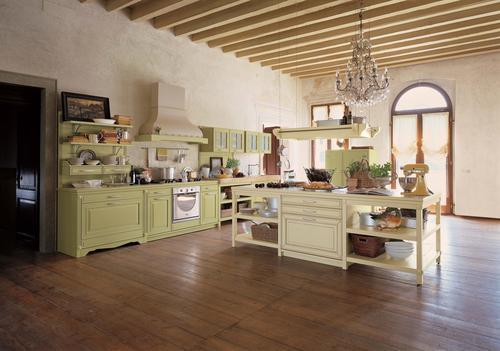 Cucine rustiche in yellow pine pino abete finta muratura piani cucina in sassi del piave - Cucine classiche chiare ...