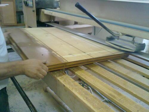 Lavori in legno di falegnameria a misura posa in opera specializzata verniciatura - Verniciatura a bagno ...