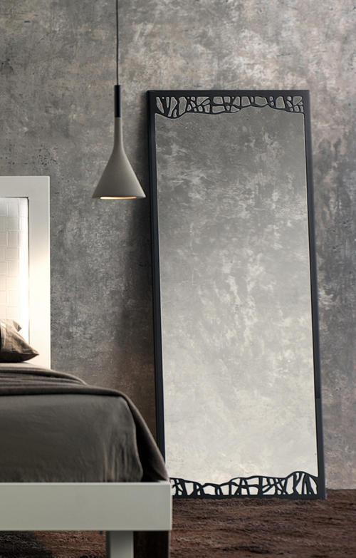 Specchi e specchiere prodotti per arredamento for Specchio da terra ferro battuto